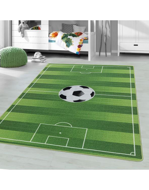 Dywan do pokoju dziecięcego o wzorze boiska do gry w piłkę nożną.