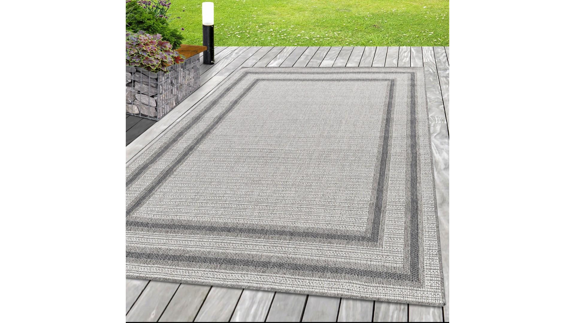 Nowoczesny dywan sznurkowy idealny na taras i do kuchni.