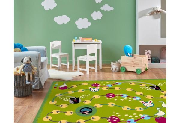 Przepiękny dywan dziecięcy.