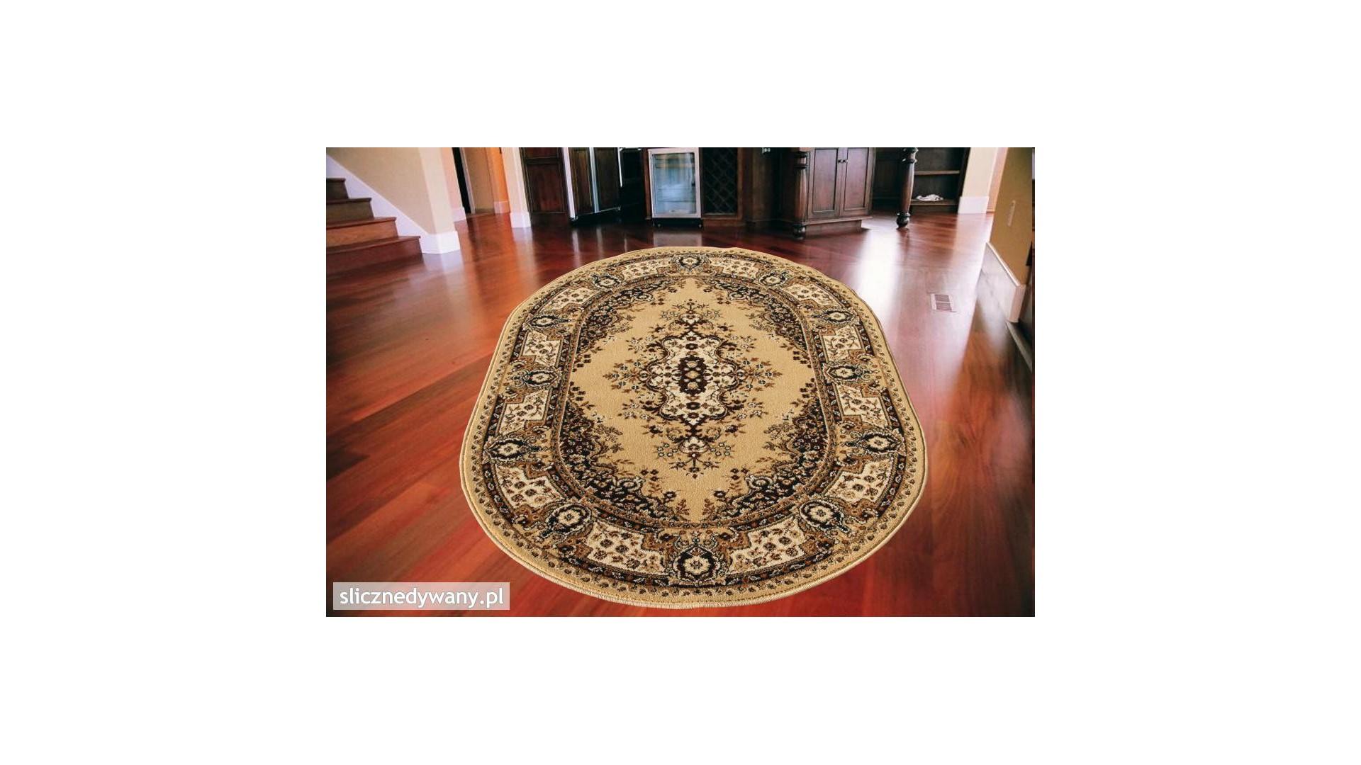 Przepiękny klasyczny dywan do salonu i sypialni.