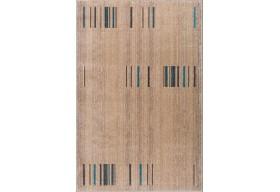 Modny dywan w beżowych odcieniach.