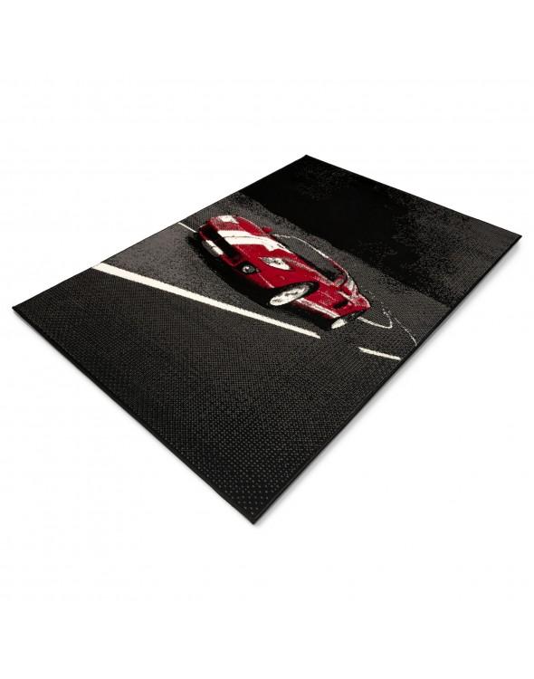 Dywan z ponadczasowym motywem szybkiego Ferrari doskonale komponuje sie w każdym nowoczesnym wnetrzu