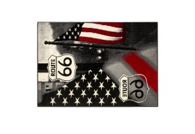 Dywan z symbolami Stanów Zjednoczonych: flagi oraz słynnej drogi 66 w USA .