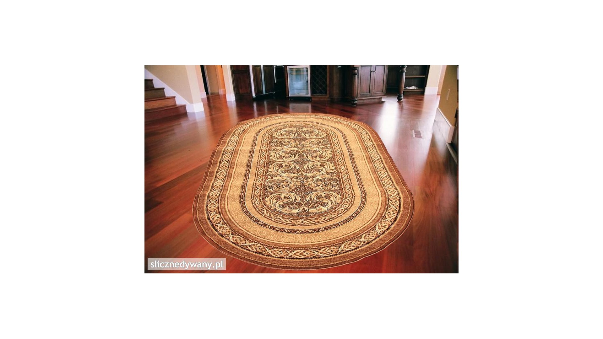 Modny, klasyczny dywan do salonu.