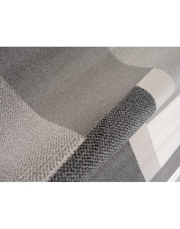Przepiękne kolory dywanu, idealne do pokoju młodzieżowego lub salonu