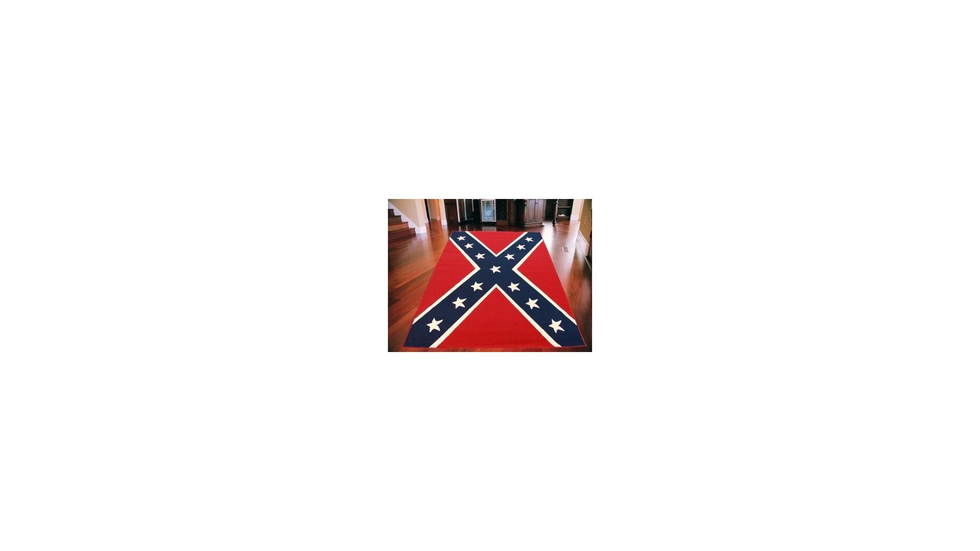 Ciekawe wzór niebieskiej flagi na czerwonym tle.