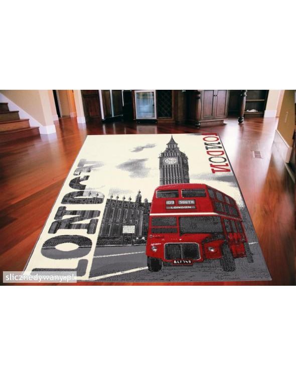Przepiękny dywan do każdego wnętrza.