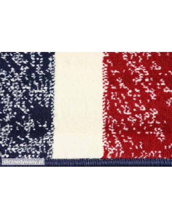 Posiada przepiękne wzornictwo flagi Wielkiej Brytani.