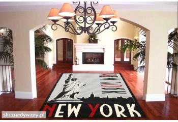 Modny dywan do pokoju młodzieżowego i nie tylko.