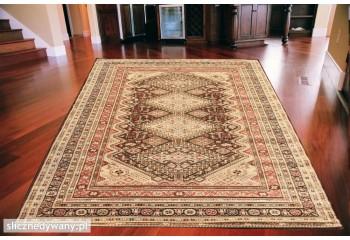 Klasyczny dywan prostokątny. Wysokość włosa 8mm.