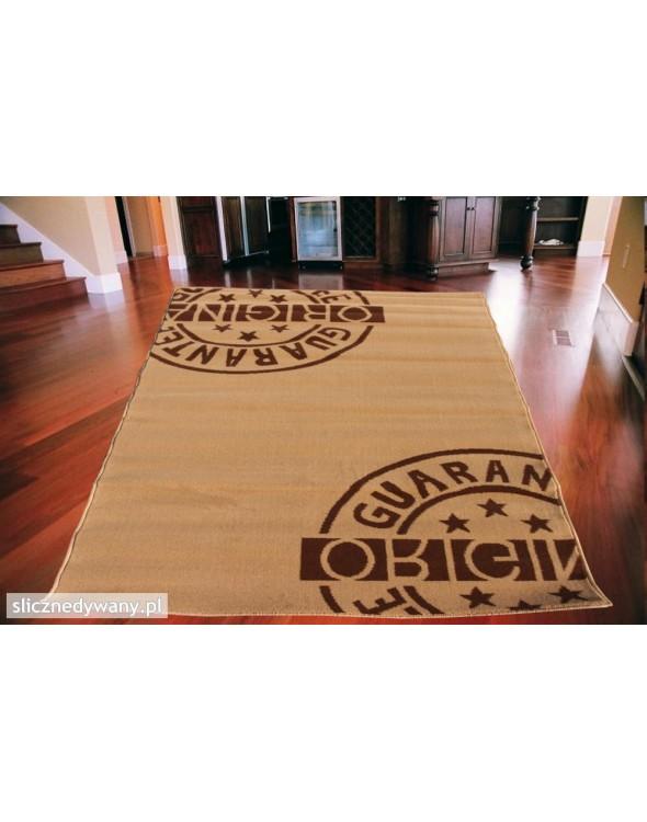 Piękny dywan młodzieżowy.