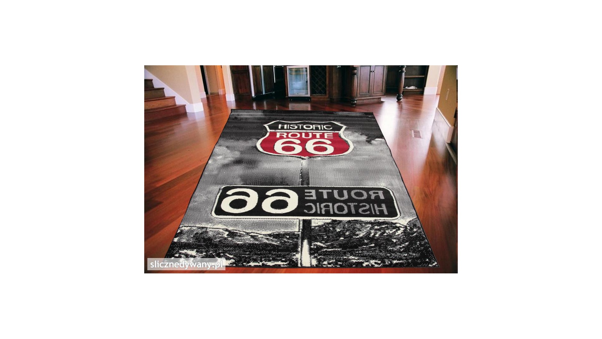 Nowoczesny dywan do salonu jak i pokoju młodzieżowego.