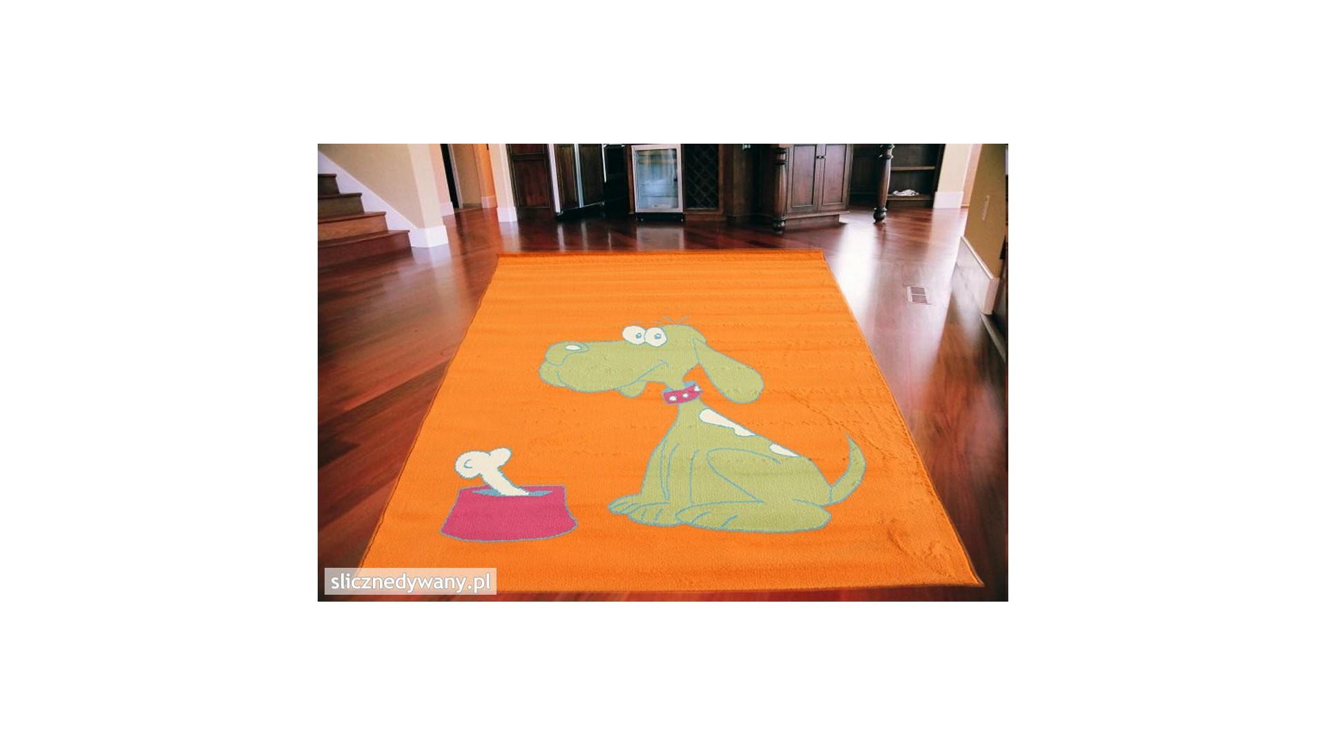Nowoczesny dywan dla najmłodszych.