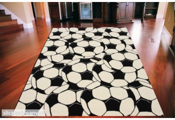 Dywan sprawdzi się dla pasjonatów piłki nożnej.