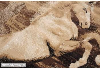Dywan wykonany z super jakości runa.