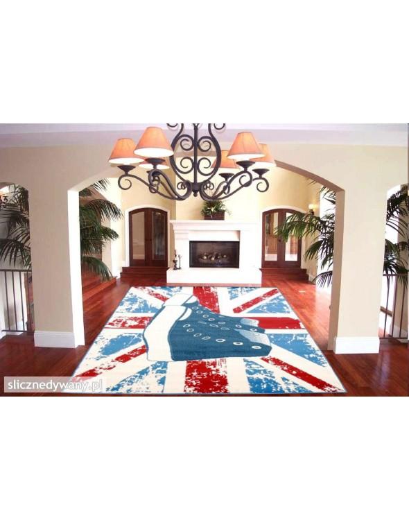 Super jakościowo dywan.