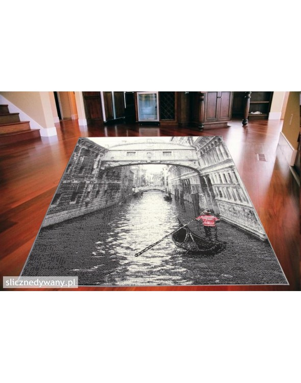 Nowoczesny dywan do salonu bądź sypialni.