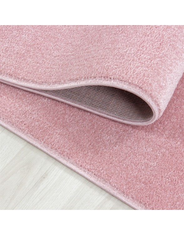 Profesjonalne oraz staranne obszycie i wytkanie to cecha nadrzędna tych wyjątkowych dywanów.
