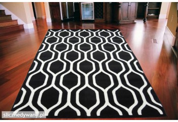 Super nowoczesny dywan do salonu.