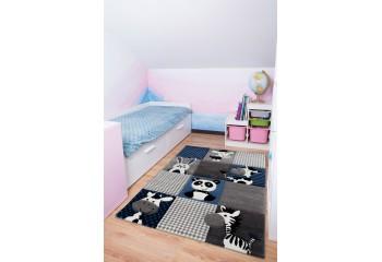 Piękny dywan do pokoju dziecięcego.
