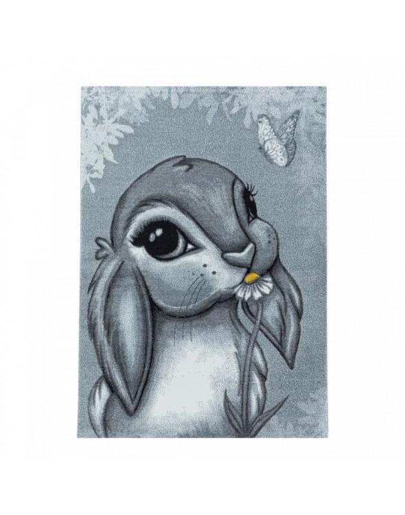 Dywan z motywem króliczka.