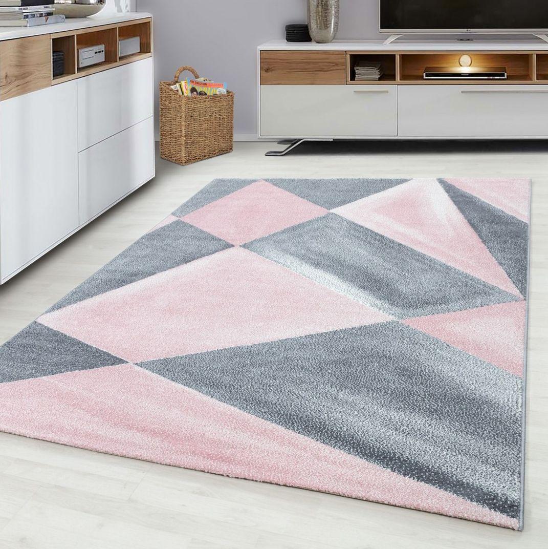 Piękny różowo szary dywan